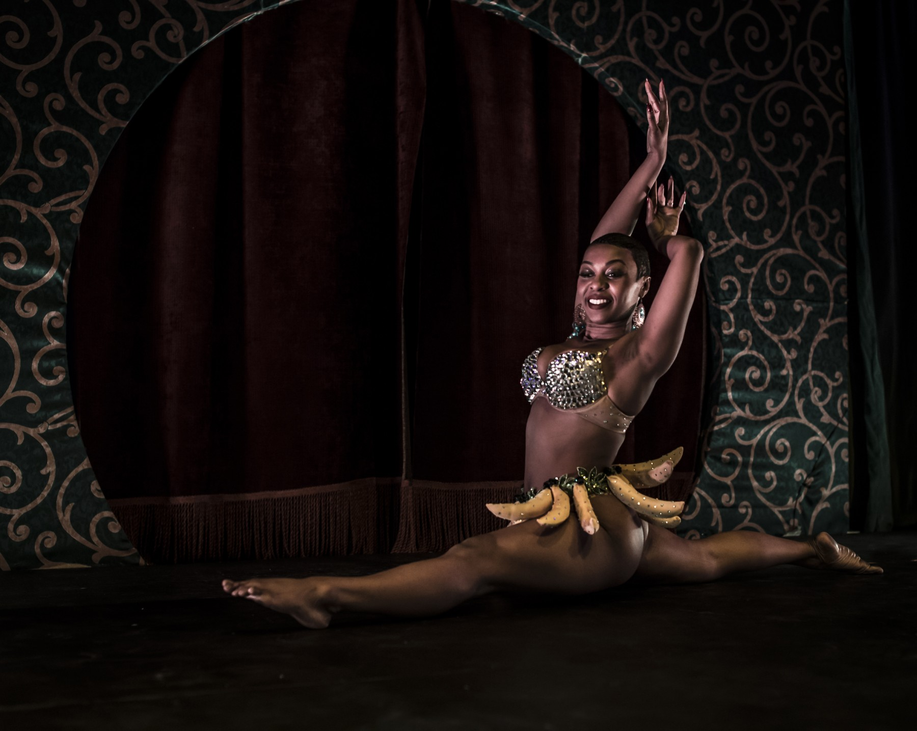 Delysia La Chatte as Josephine Baker
